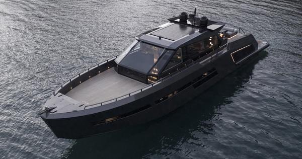 Du thuyền siêu sang làm bằng carbon tổng hợp và kính chống đạn
