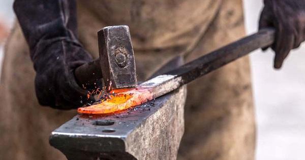 """Tìm ra cách chế tạo kim loại """"siêu cứng"""" nhờ công nghệ rèn mới"""