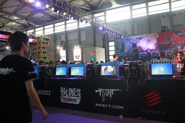 Cận cảnh những gian hàng tại ChinaJoy 2013 10