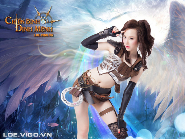 Angela Phương Trinh nóng bỏng với cosplay game 16+ Chiến Binh Định Mệnh 3