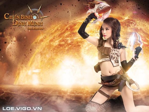 Angela Phương Trinh nóng bỏng với cosplay game 16+ Chiến Binh Định Mệnh 13