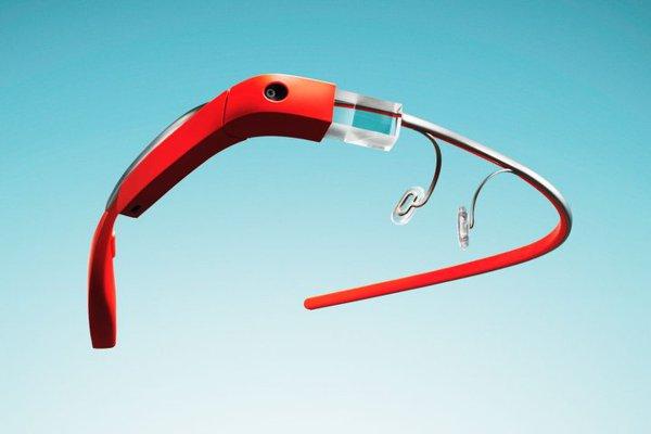 """Google Glass sẽ """"nói chuyện"""" với bạn thông qua những rung động xương trong đầu 1"""