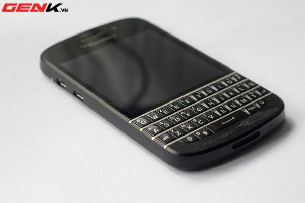 BlackBerry Q10 về Việt Nam: Màn hình vuông, bàn phím lớn nhất từ trước tới nay 1