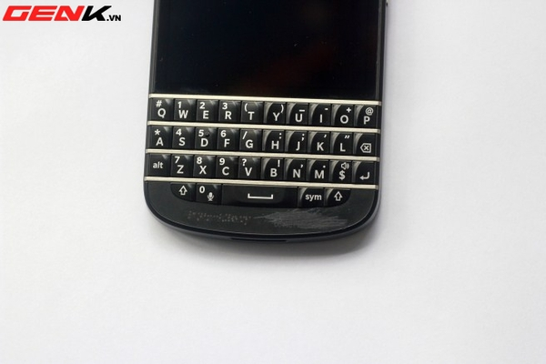 BlackBerry Q10 về Việt Nam: Màn hình vuông, bàn phím lớn nhất từ trước tới nay 17