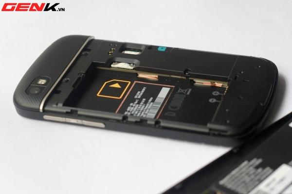 BlackBerry Q10 về Việt Nam: Màn hình vuông, bàn phím lớn nhất từ trước tới nay 24