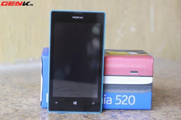 Đập hộp Nokia Lumia 520 chính hãng tại Việt Nam 1