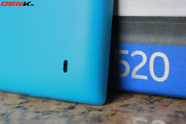 Đập hộp Nokia Lumia 520 chính hãng tại Việt Nam 11