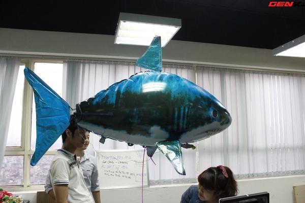 Cá mập bay: Món đồ chơi độc đáo cho người thích công nghệ 7