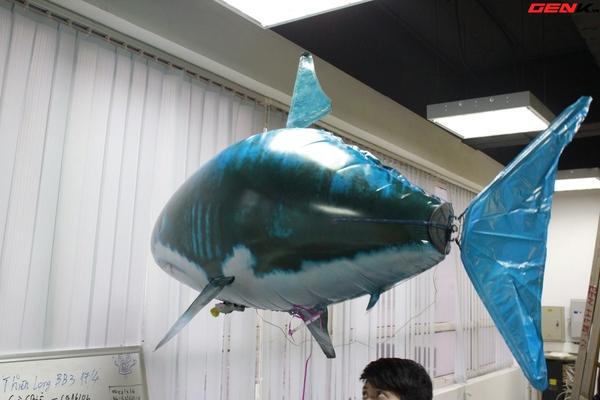 Cá mập bay: Món đồ chơi độc đáo cho người thích công nghệ 9