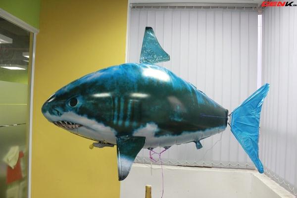Cá mập bay: Món đồ chơi độc đáo cho người thích công nghệ 10
