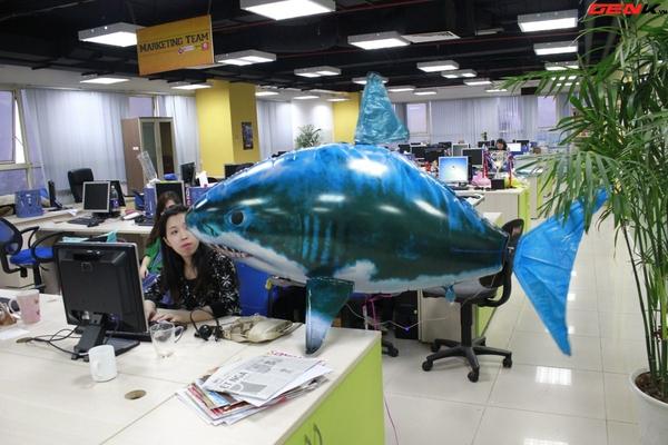 Cá mập bay: Món đồ chơi độc đáo cho người thích công nghệ 12