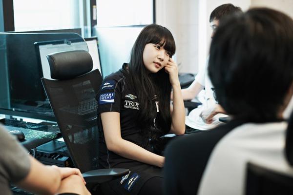 Nữ game thủ eSports đối mặt với đầy rẫy bất công 5
