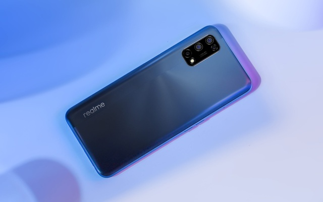 Realme 7 5G ra mắt: Màn hình 120Hz, Dimensity 800U, 4 camera sau, sạc nhanh 30W, giá 8.6 triệu đồng
