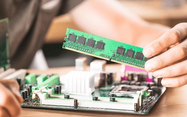 Lưu ý gì khi nâng cấp RAM máy tính dành cho người không chuyên?
