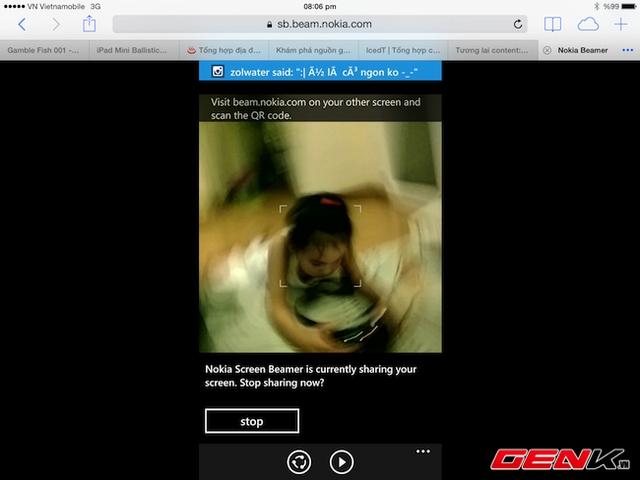 Chia sẻ màn hình của Lumia 1520 qua iPad.