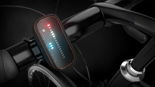 The Backtrackers front module alerts riders via an LED display