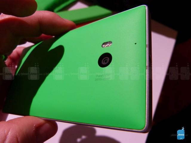Nokia nói gì về Lumia 930?