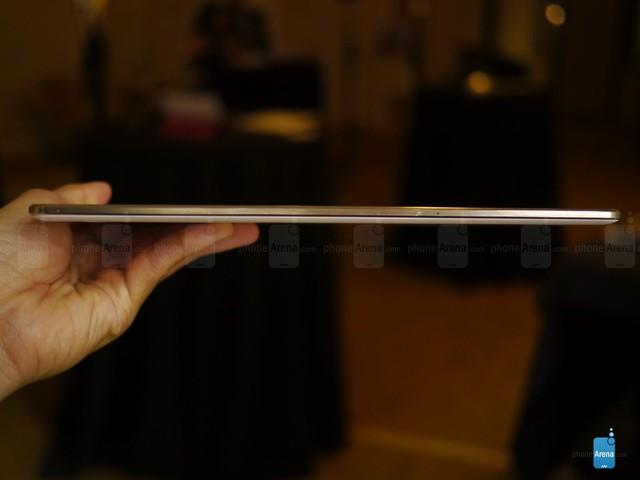 http://i-cdn.phonearena.com/images/articles/124446-image/Samsung-Galaxy-Tab-S-10.5-hands-on.jpg