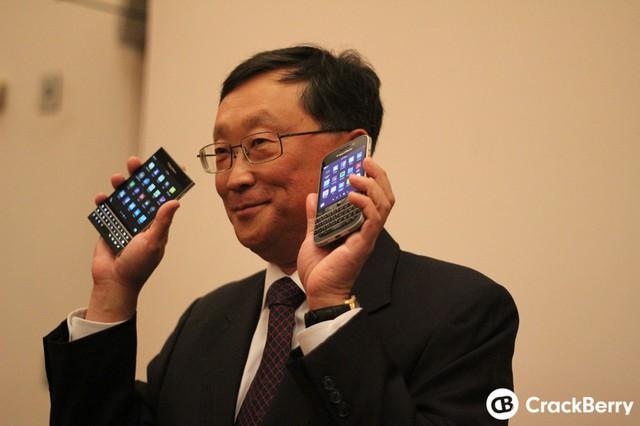 Xuất hiện hình ảnh chính thức đầu tiên của Blackberry Passport và Blackberry Classic