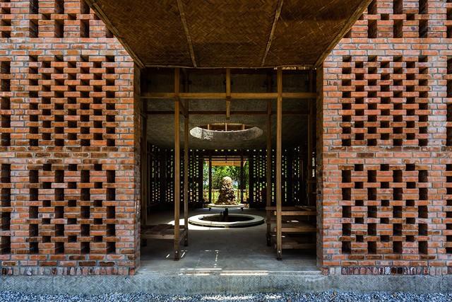 Phần lớn ngôi nhà được tạo nên từ vật liệu gần gũi với thiên nhiên Quảng Nam