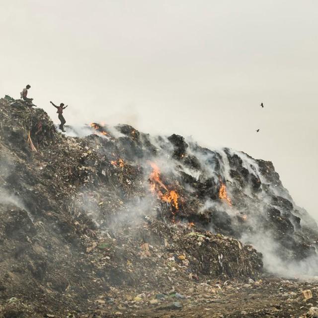 Những đợt đốt rác thế này chính là một trong những nguồn cơn gây ô nhiễm không khí nặng nề cho Delhi