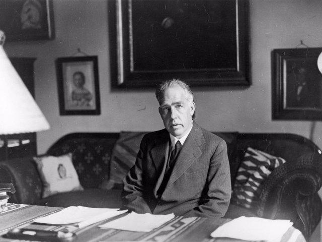 Neils Bohr (1885-1962)