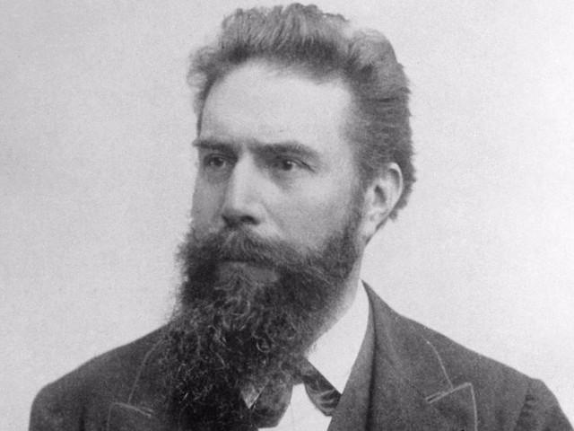 Wilhelm Röntgen (1845-1923)