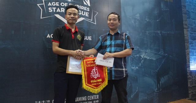 Game thủ Cam Quýt nhận giải Á Quân AoE Star League 2016.