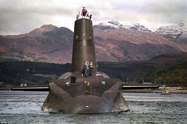 Tàu ngầm Vanguard được đưa vào sử dụng từ những năm 1993