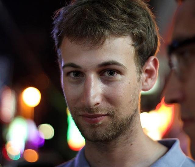 Amihai Neiderman, hacker phát hiện ra lỗ hổng trong mạng Wifi công cộng của Tel Aviv.