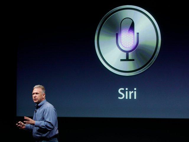 Apple ra mắt Siri trên iPhone 4s