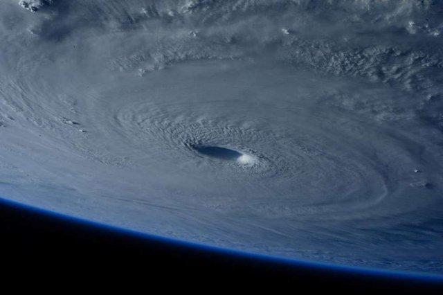 Một ứng cử viên là lốc xoáy Haiyan, đã từng cập bến Philippines vào năm 2013 với những cơn gió mạnh tới 314km/h