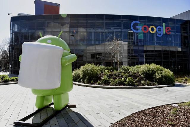 Google bị cáo buộc bắt tay với các nhà sản xuất, đồng thời vi phạm chính sách chống độc quyền của EU.