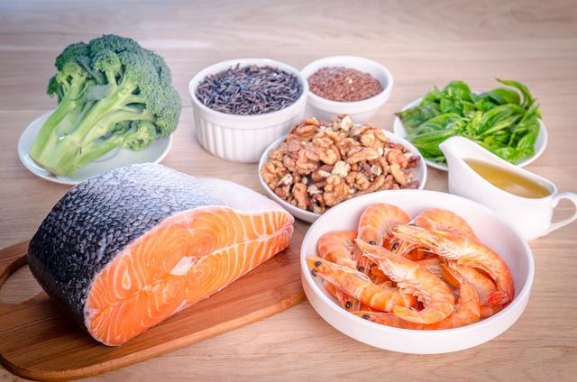 Omega-3 có trong cá và các loại hạt