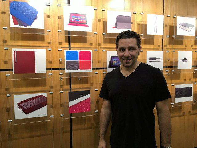 Panos Panay - Phó chủ tịch tập đoàn Microsoft