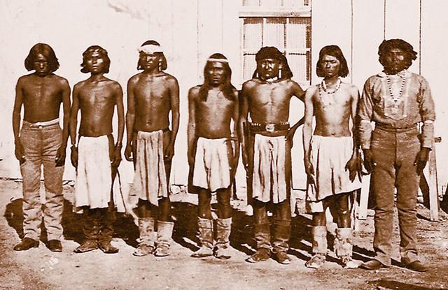 Thổ dân da đỏ - tác giả của loại giày Moccasins