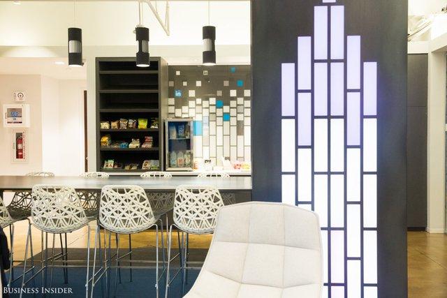 """""""InDay cho phép nhân viên của chúng tôi tạm dừng công việc, bước ra khỏi bàn làm việc và gắn kết với cuộc sống ở LinkedIn"""" – Fakhoury nói."""