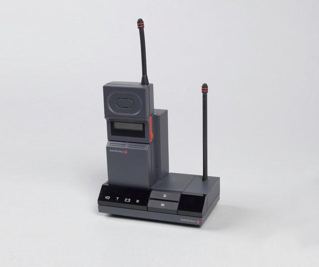 Điện thoại không dây Dancall 5000, thiết kế bởi John Stoddard.