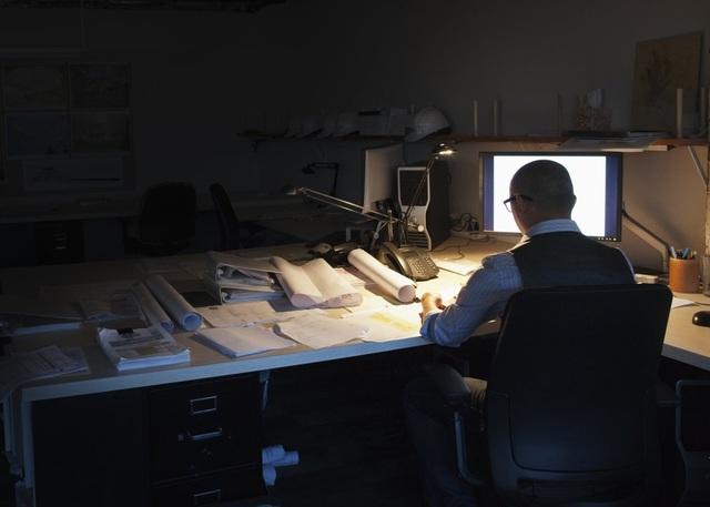 Cuộc sống hiện đại khiến nhiều người không thể tránh khỏi những buổi làm việc qua đêm