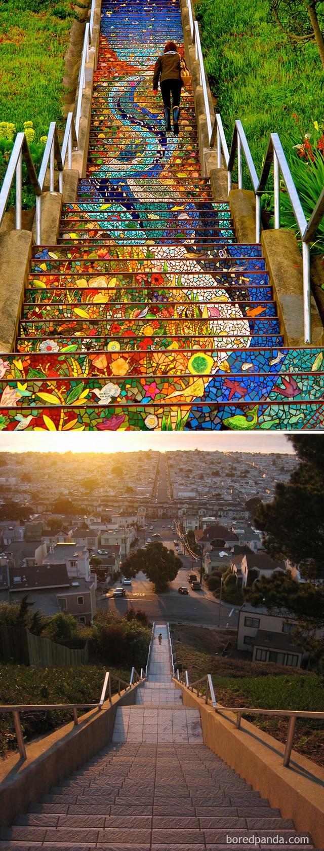 Những bậc cầu thang vô hồn được các họa sĩ biến thành một tác phẩm nghệ thuật công phu.