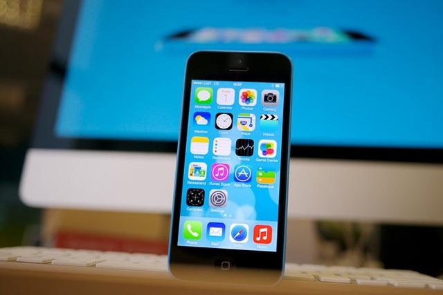 iPhone 5C giá siêu rẻ đã trở lại để khuấy động thị trường di động xách tay cuối năm.
