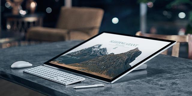 Surface Studio có thể đặt nghiêng và sử dụng như một tablet cỡ lớn