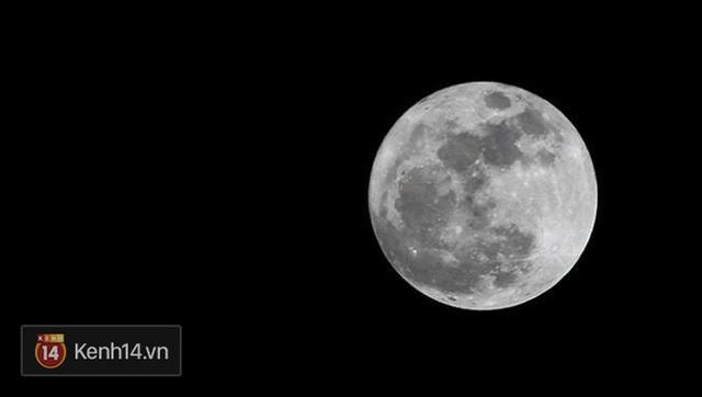 Một hình ảnh siêu trăng cực rõ nét ở Đà Nẵng. (Ảnh: Linh Phạm)
