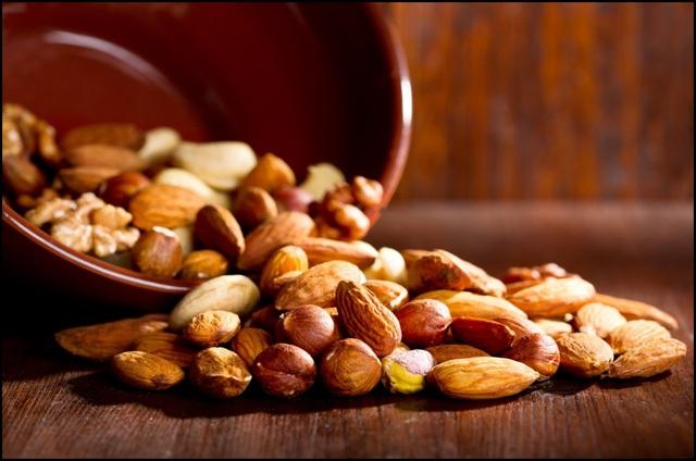 Các loại hạt là một thực phẩm ăn vặt lành mạnh