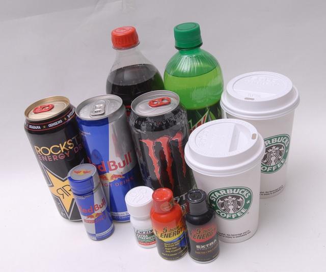 Đừng lạm dụng cà phê, đồ uống tăng lực và nước ngọt