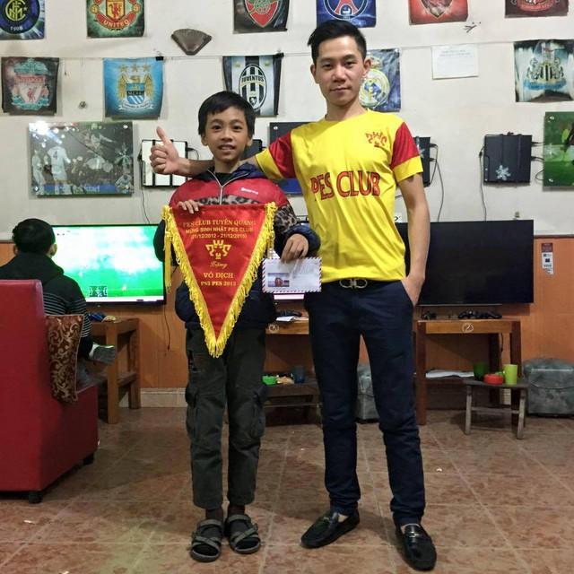 Anh Hiếu, chủ phòng game PES Club tại Tuyên Quang.
