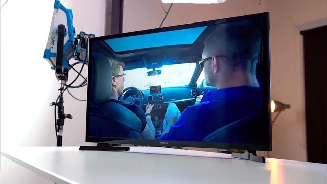 Tiếp theo, hãy cùng thử nghiệm trên chiếc Samsung Smart TV này xem sao