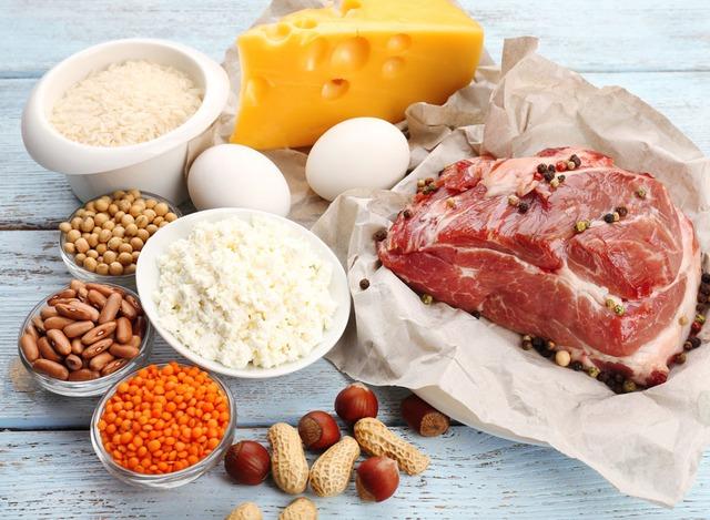 Hầu hết các bữa ăn hàng ngày sẽ đảm bảo lượng protein cho bạn