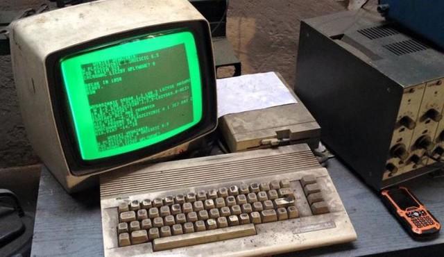 Việc dùng máy Commodore 64 để làm việc vào thời điểm mà ngay trẻ sơ sinh đã được mua cho iPhone thì quả thực là ngầu.