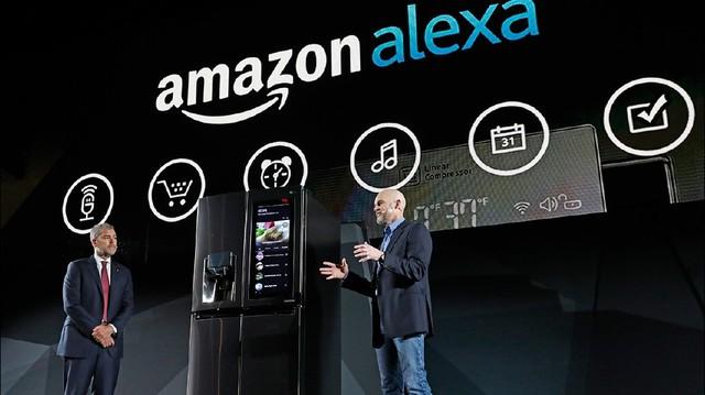 Alexa tích hợp trong tủ lạnh thông minh của LG.